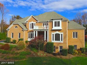 Photo of 903 FALLS MANORS CT, GREAT FALLS, VA 22066 (MLS # FX10105154)