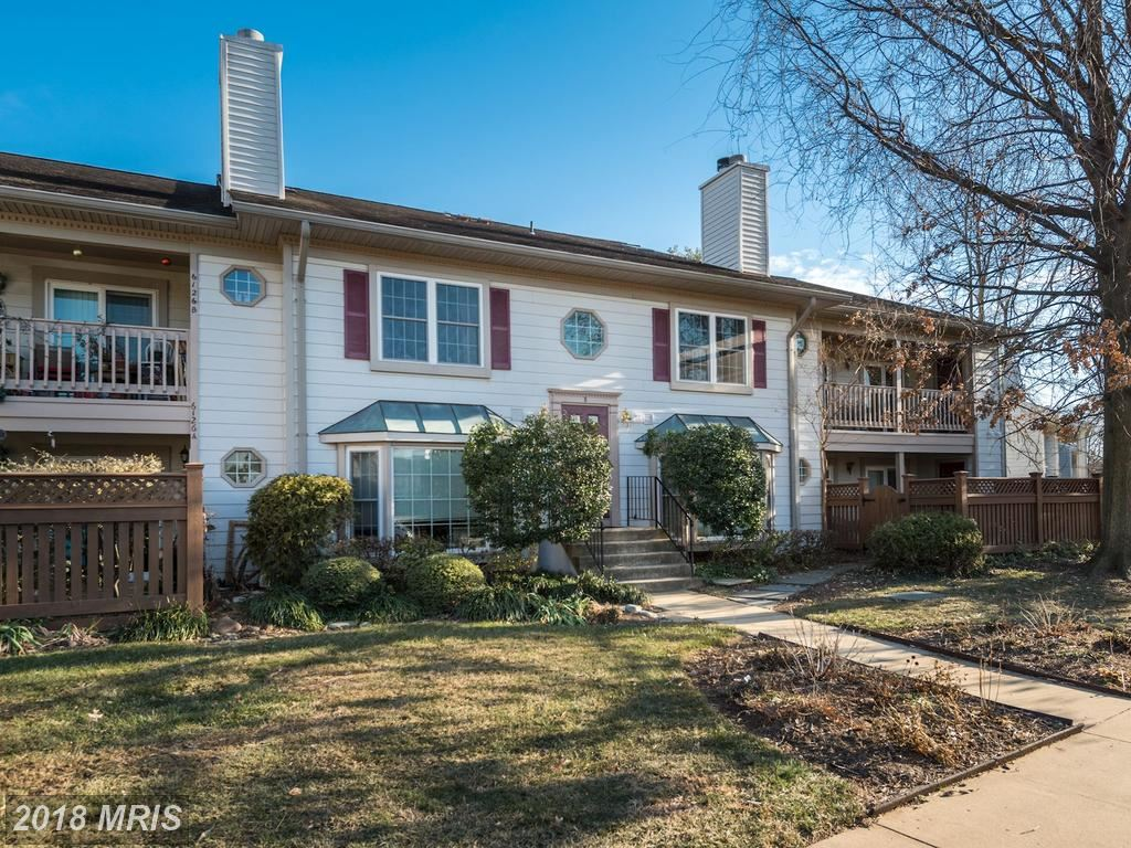 Photo for 6130B ESSEX HOUSE SQ #6130B, ALEXANDRIA, VA 22310 (MLS # FX10128163)