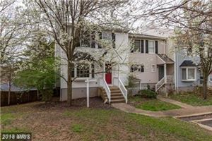 Photo of 24 STONEWALL CT, MIDDLEBURG, VA 20117 (MLS # LO10315197)