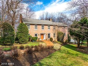 Photo of 5845 ASPEN WOOD CT, McLean, VA 22101 (MLS # FX10188239)