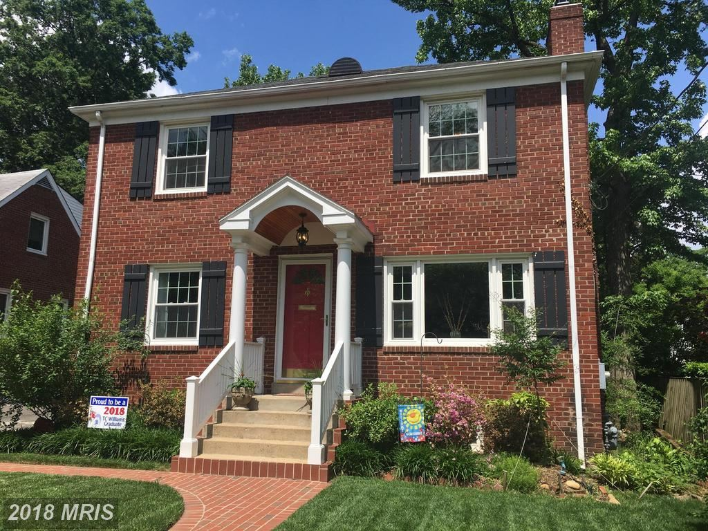 Photo for 1705 CRESTWOOD DR, ALEXANDRIA, VA 22302 (MLS # AX10263310)