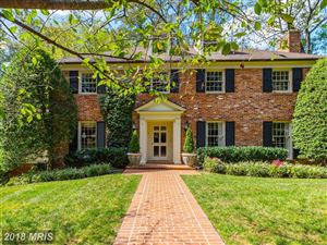 Photo of 5818 HILLBURNE WAY, CHEVY CHASE, MD 20815 (MLS # MC10149341)