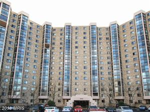 Photo of 5902 MOUNT EAGLE DR #812, ALEXANDRIA, VA 22303 (MLS # FX10158404)