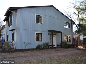 Photo of 19 CAROUSEL CT, STERLING, VA 20164 (MLS # LO10149456)