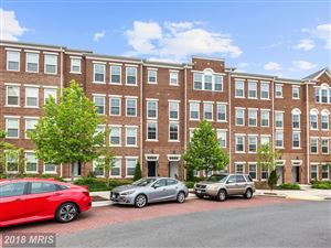 Photo of 2995 RITTENHOUSE CIR #88, FAIRFAX, VA 22031 (MLS # FX10242537)