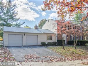 Photo of 1 GROVEPOINT CT, POTOMAC, MD 20854 (MLS # MC10105558)