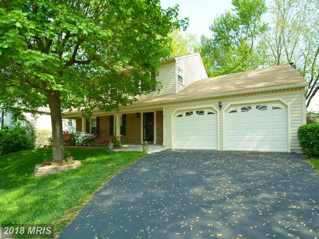 Photo for 7601 WOODSTOWN DR, SPRINGFIELD, VA 22153 (MLS # FX10233562)