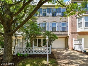 Photo of 2702 CURZON CT, VIENNA, VA 22181 (MLS # FX10250596)