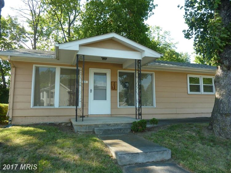 Photo for 2 GREENWAY AVE N, BOYCE, VA 22620 (MLS # CL9994626)
