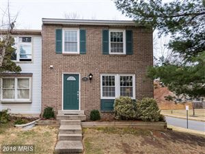 Photo of 9900 OAKDALE WOODS CT, VIENNA, VA 22181 (MLS # FX10157645)