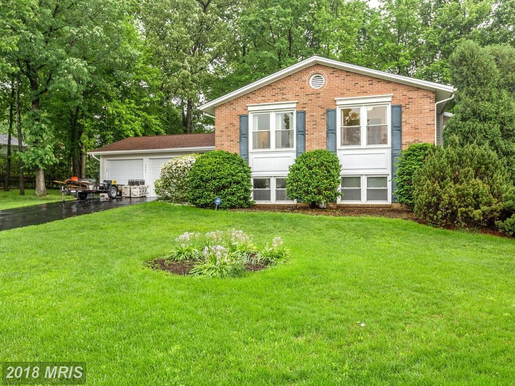 Photo for 8903 HUXLEY CT, SPRINGFIELD, VA 22153 (MLS # FX10243679)