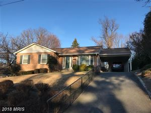 Photo of 303 VALEVIEW CT NW, VIENNA, VA 22180 (MLS # FX10124684)