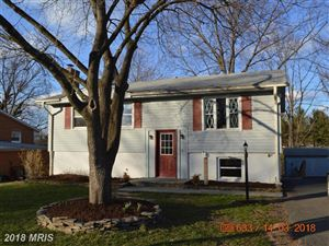 Photo of 606 MAPLE AVE, STERLING, VA 20164 (MLS # LO10136720)