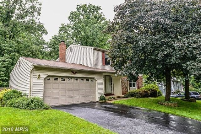 Photo for 7905 CLIFF ROCK CT, SPRINGFIELD, VA 22153 (MLS # FX10260723)