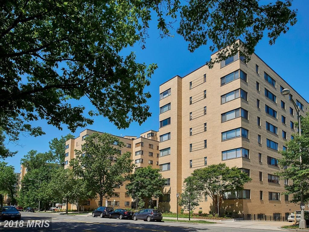 Photo for 3701 CONNECTICUT AVE NW #618, WASHINGTON, DC 20008 (MLS # DC10246725)