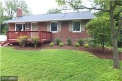 Photo of 4915 BRISTOW DR, ANNANDALE, VA 22003 (MLS # FX10113823)