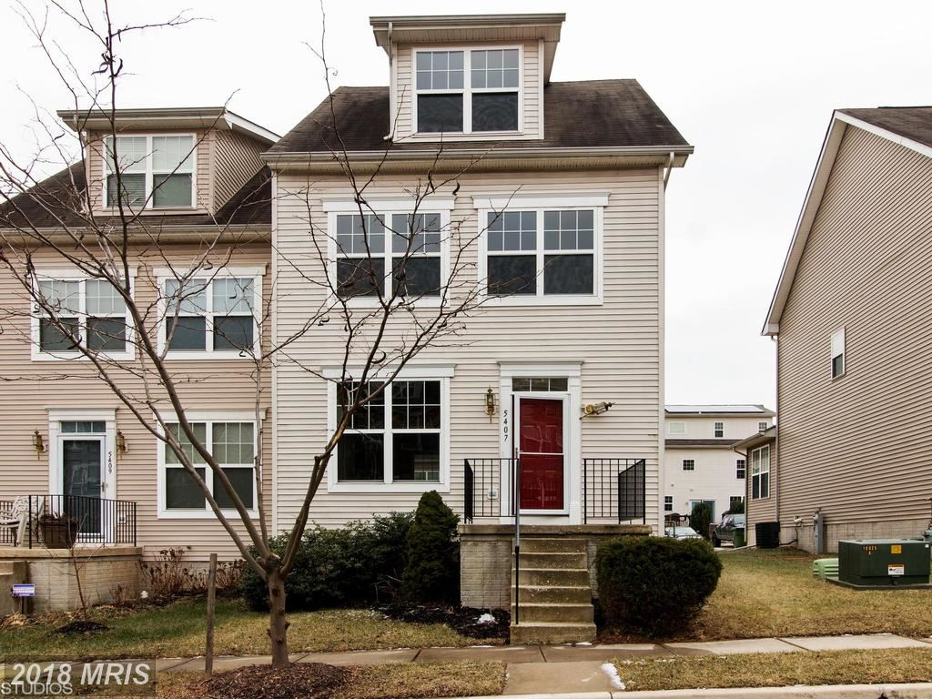 Photo for 5407 SINCLAIR GREENS DR, BALTIMORE, MD 21206 (MLS # BA10266845)