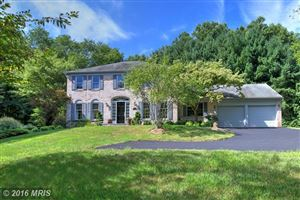 Photo of 816 HICKORY VALE LN, GREAT FALLS, VA 22066 (MLS # FX9739854)