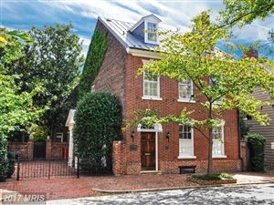Photo of 224 LEE ST S, ALEXANDRIA, VA 22314 (MLS # AX10075894)