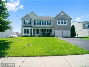 Photo of 412 AUTUMN CHASE CT, PURCELLVILLE, VA 20132 (MLS # LO10283942)