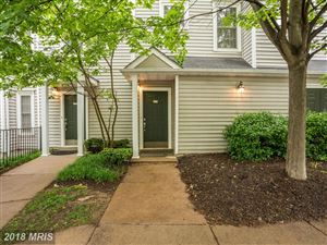 Photo of 4622 SUPERIOR SQ #4622, FAIRFAX, VA 22033 (MLS # FX10250943)