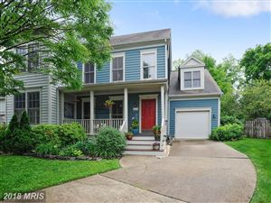 Photo of 215 ANDOVER CT NE, LEESBURG, VA 20176 (MLS # LO10268961)