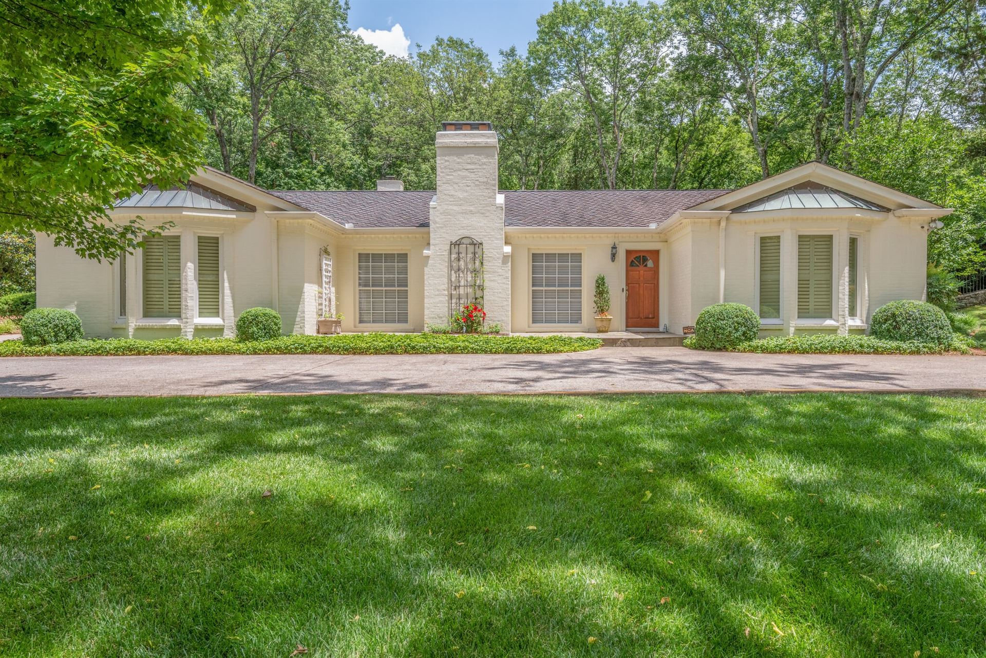Photo of 606 Lynnwood Blvd, Nashville, TN 37205 (MLS # 2151007)
