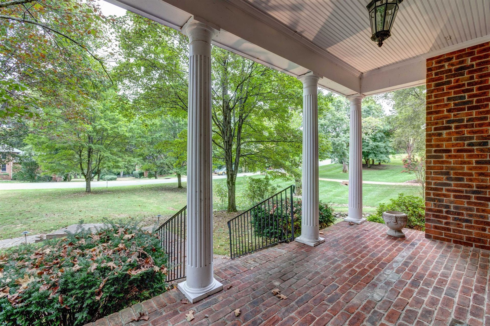 Photo of 1118 Brookview Dr, Brentwood, TN 37027 (MLS # 2290012)