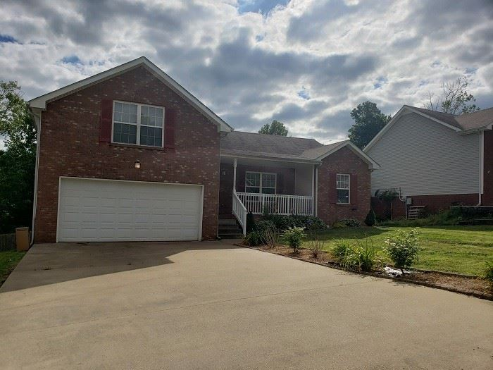 1715 Ridge Runner Ct, Clarksville, TN 37042 - MLS#: 2211015