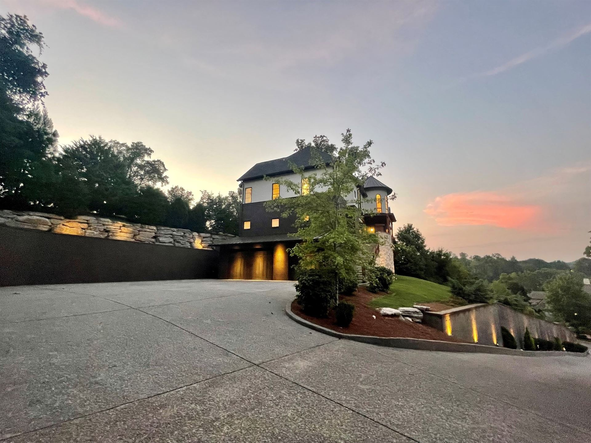 Photo of 246 Governors Way, Brentwood, TN 37027 (MLS # 2286027)