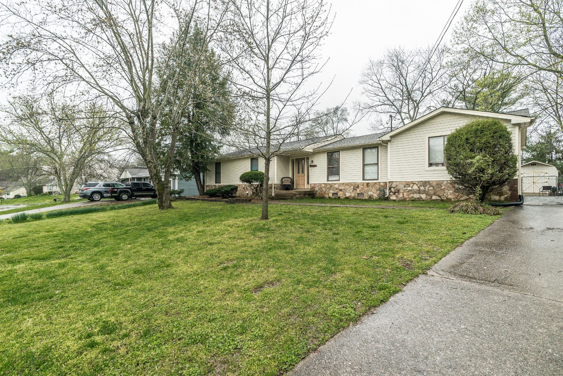 Photo of 509 Dutchmans Dr, Hermitage, TN 37076 (MLS # 2135031)