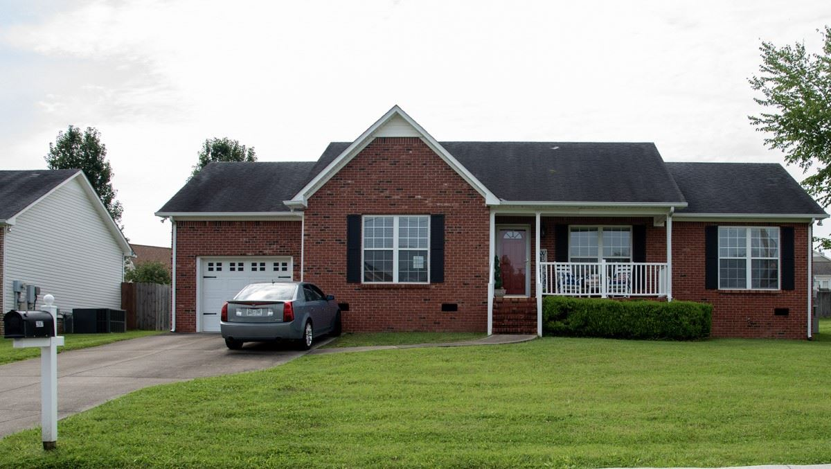 Photo of 2987 Pipkin Hills Dr, Spring Hill, TN 37174 (MLS # 2167032)
