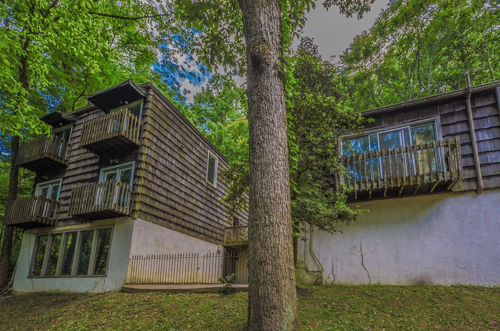 Photo of 5031 Lakeview Dr, Nashville, TN 37220 (MLS # 2149048)