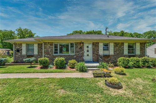 Photo of 1034 Meadowview Dr, Gallatin, TN 37066 (MLS # 2247066)