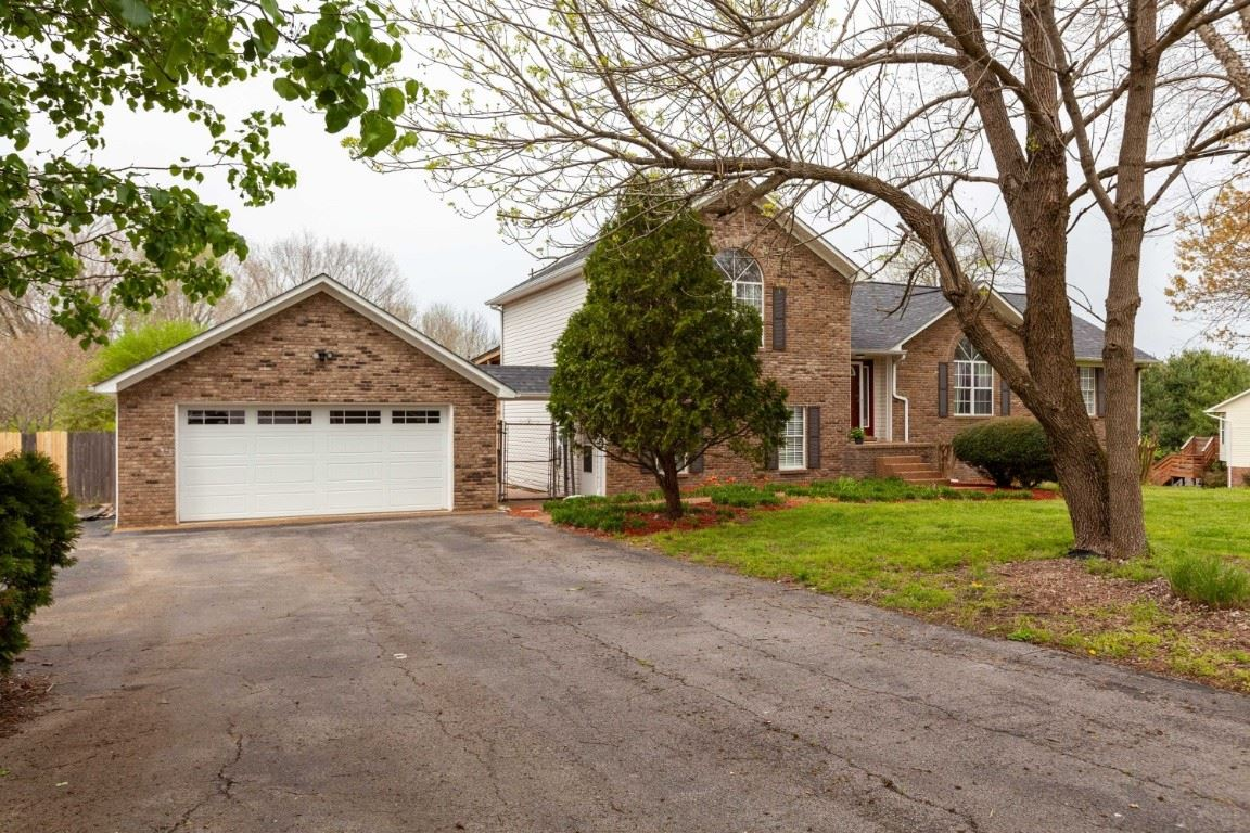Photo of 124 Oak Valley Dr, Spring Hill, TN 37174 (MLS # 2137069)