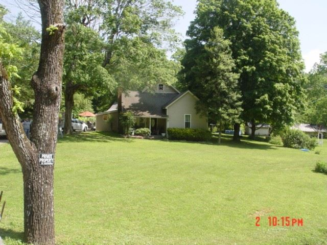 Photo of 974 Weakley Creek Rd, Lawrenceburg, TN 38464 (MLS # 2199072)