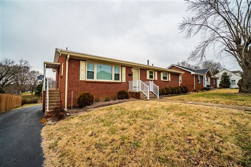 Photo of 603 4th Ave W, Springfield, TN 37172 (MLS # 2225074)