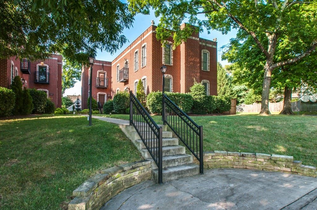 Photo of 1017 Caruthers Ave, Nashville, TN 37204 (MLS # 2233093)