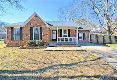 Photo of 408 Bluff Dr, Clarksville, TN 37043 (MLS # 2226098)