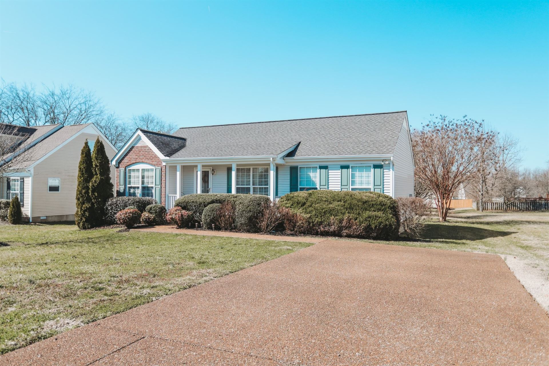 Photo of 2827 Scoville Ln, Spring Hill, TN 37174 (MLS # 2233100)