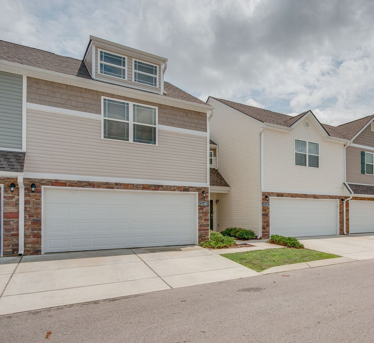 Photo of 1146 Somerset Springs Dr, Spring Hill, TN 37174 (MLS # 2275104)
