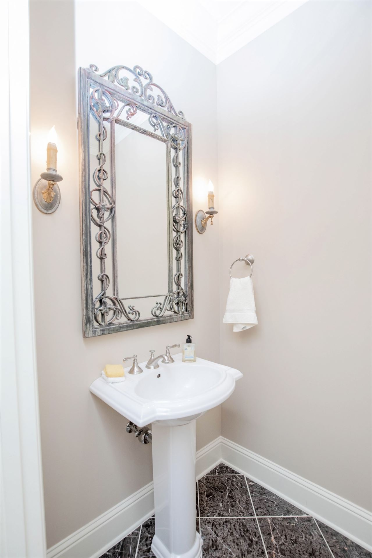 Photo of 4000 W End Ave #203, Nashville, TN 37205 (MLS # 2281113)