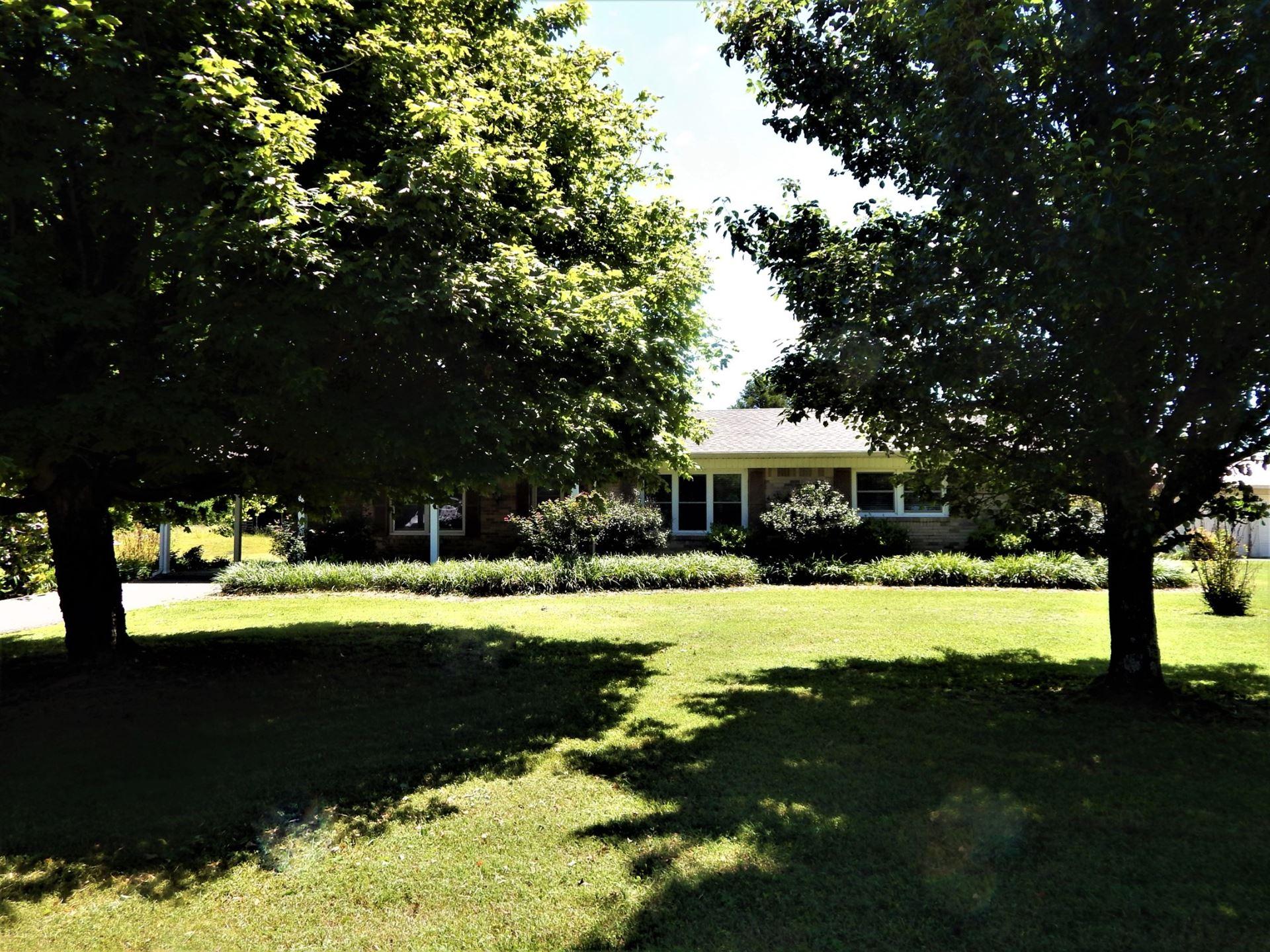 Photo of 831 Green River Rd, Waynesboro, TN 38485 (MLS # 2155115)