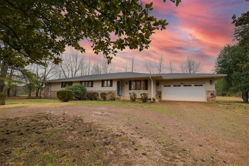 Photo of 104 MEADOWBROOK LN, Tullahoma, TN 37388 (MLS # 2232118)
