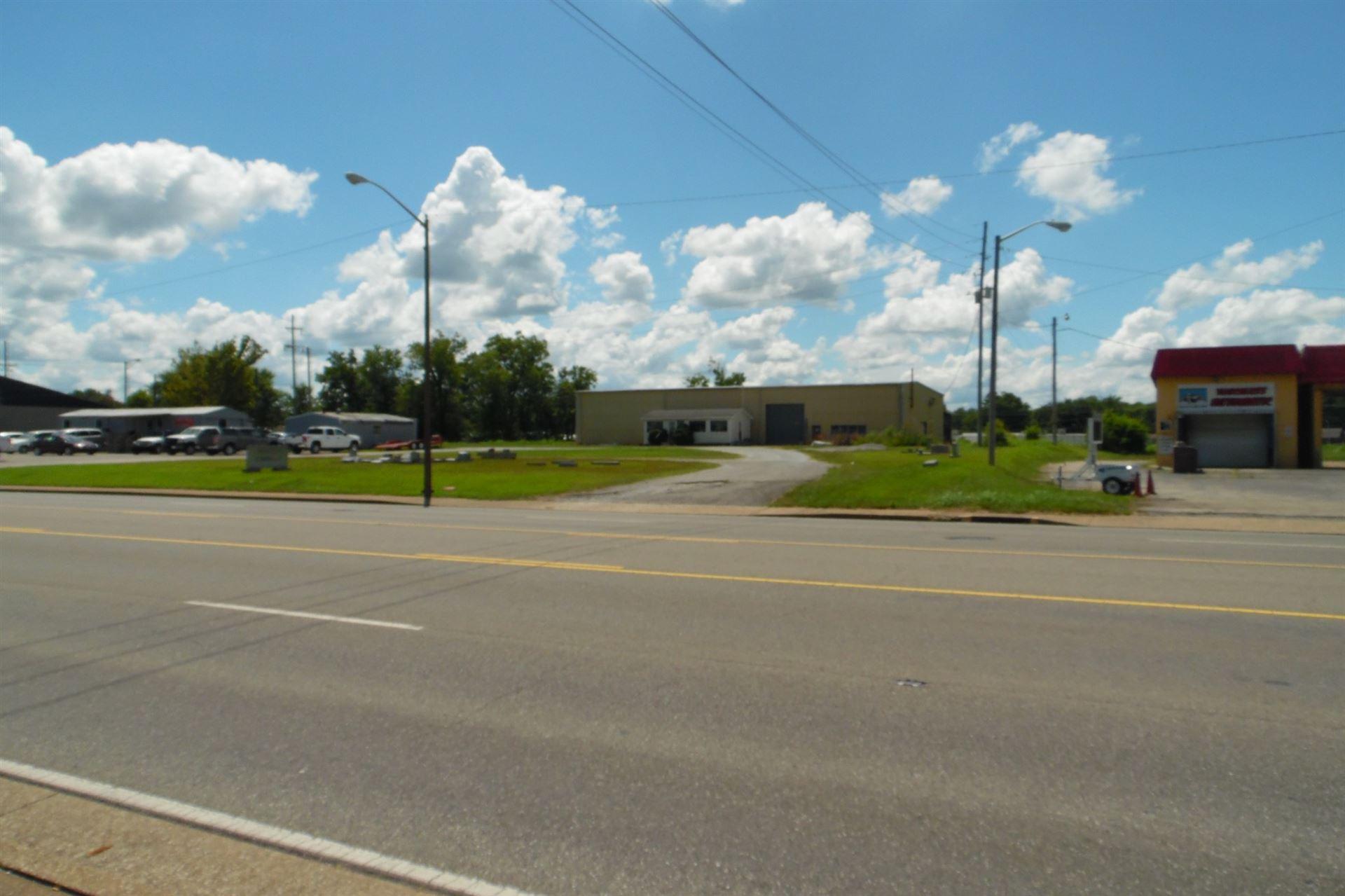 Photo of 1117 N Locust Ave., Lawrenceburg, TN 38464 (MLS # 2175126)