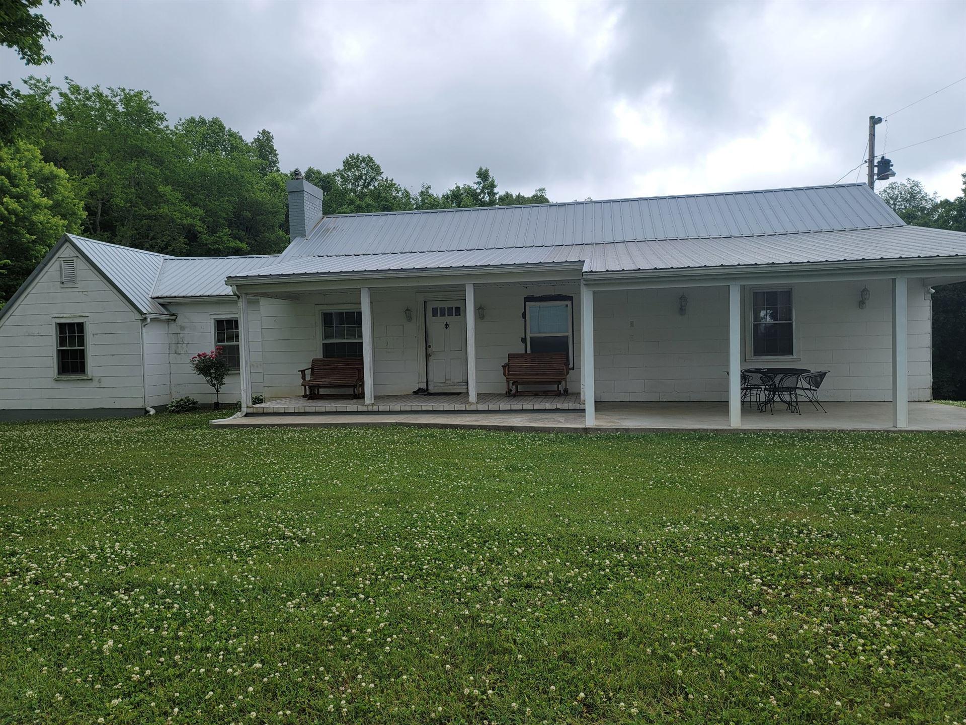 552 Peeled Chestnut Ln E, Sparta, TN 38583 - MLS#: 2258137