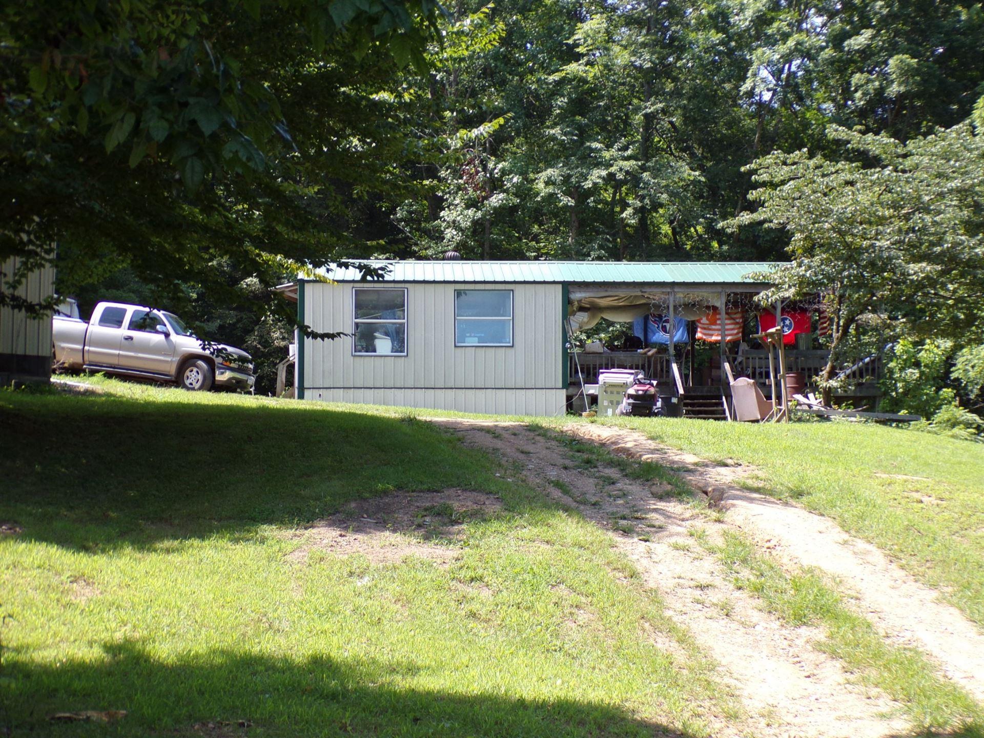 860 Jones Hollow Rd, Lobelville, TN 37097 - MLS#: 2283144