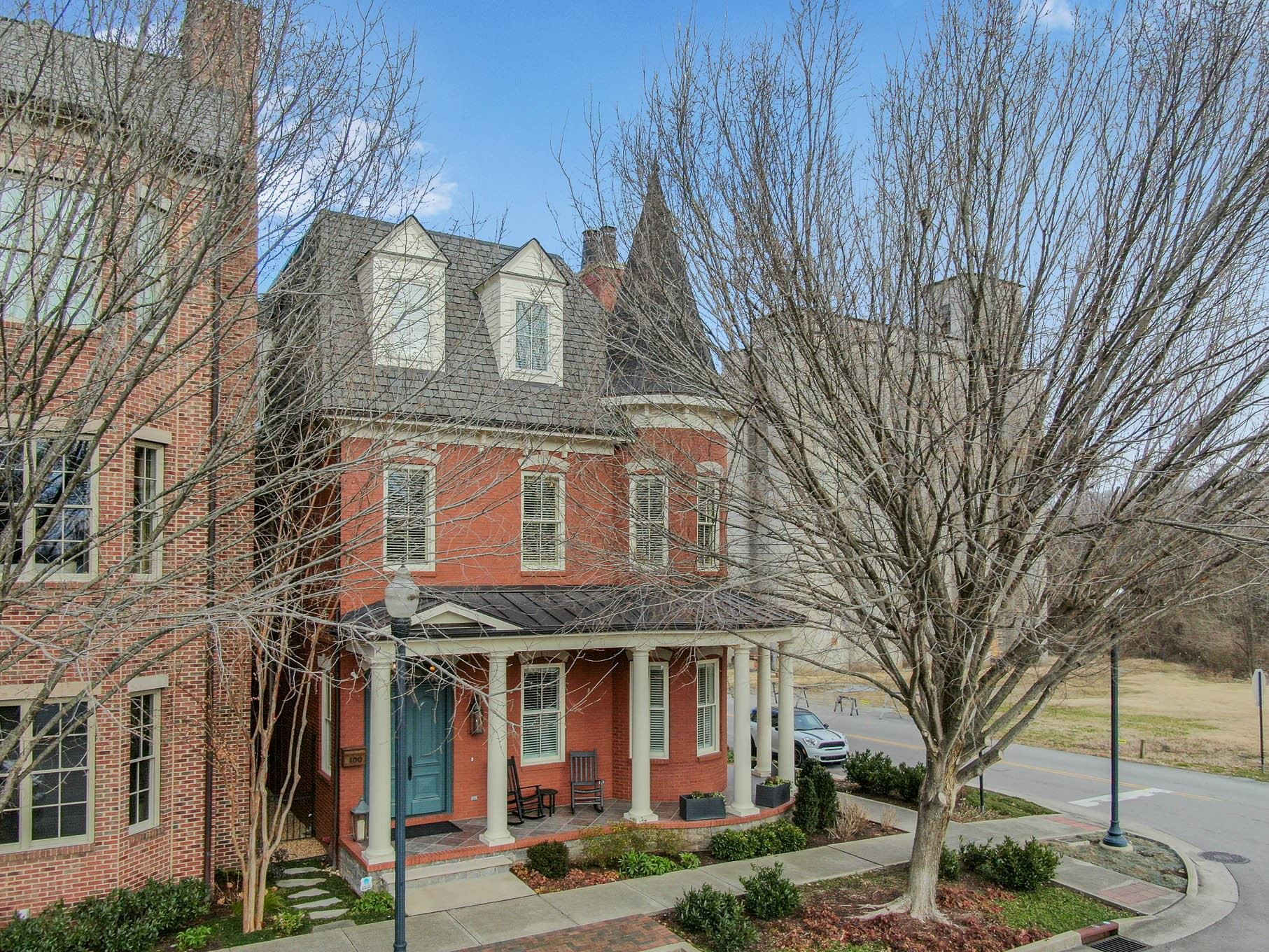 Photo of 100 CHURCH STREET, Franklin, TN 37064 (MLS # 2221145)