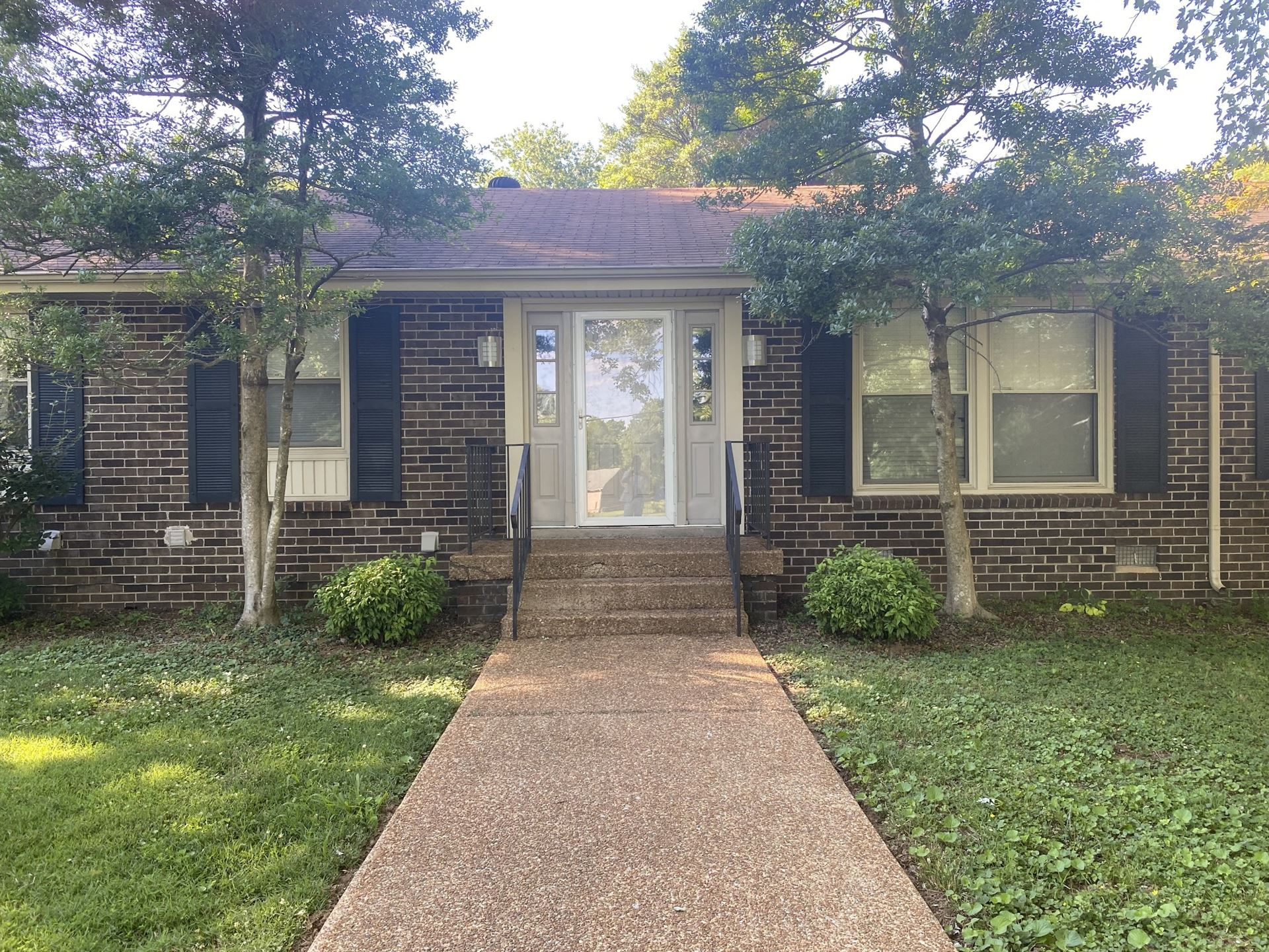 Photo of 9128 Ford Dr, Brentwood, TN 37027 (MLS # 2263152)