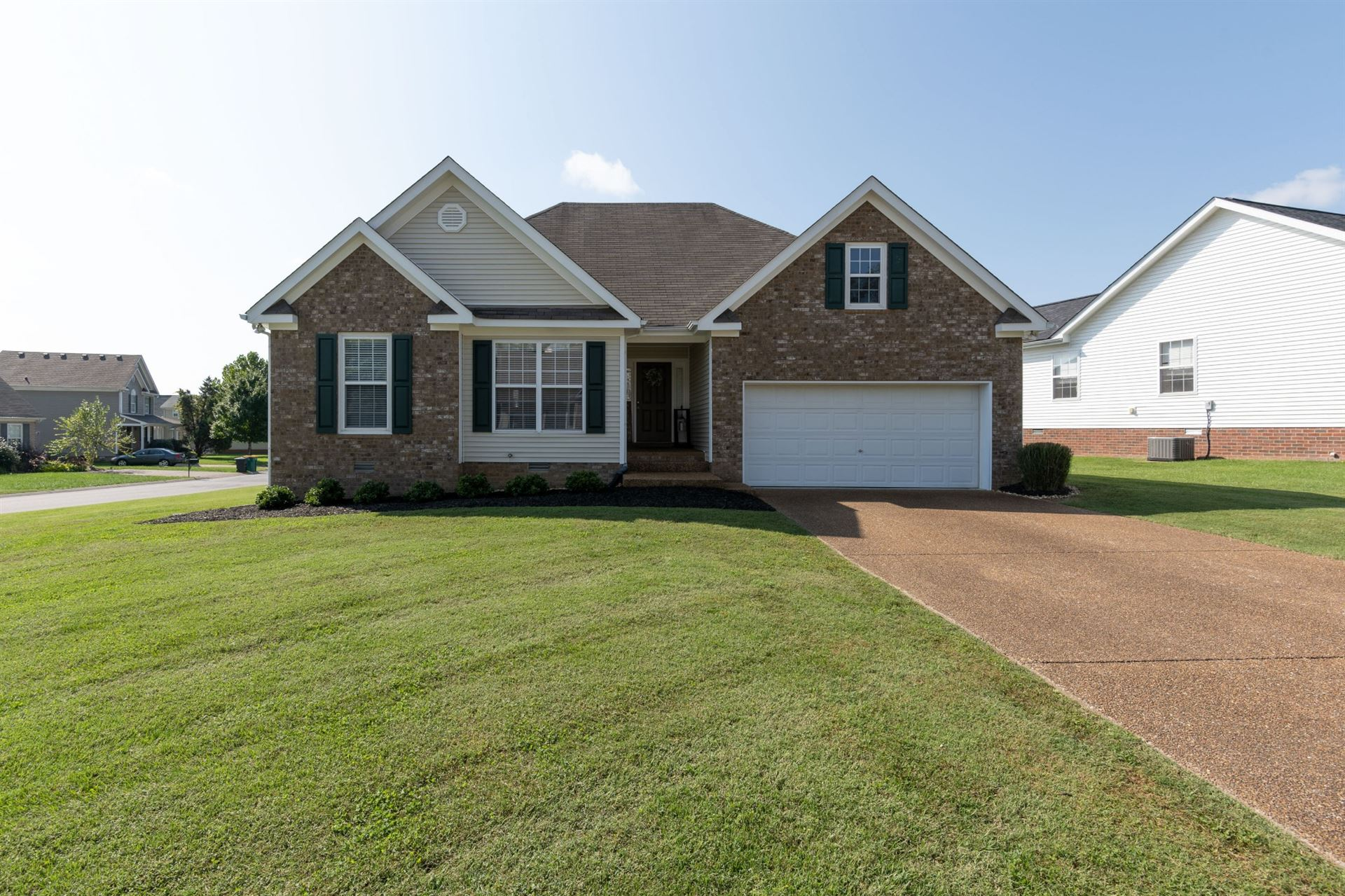 Photo of 1003 Persimmon Dr, Spring Hill, TN 37174 (MLS # 2303161)